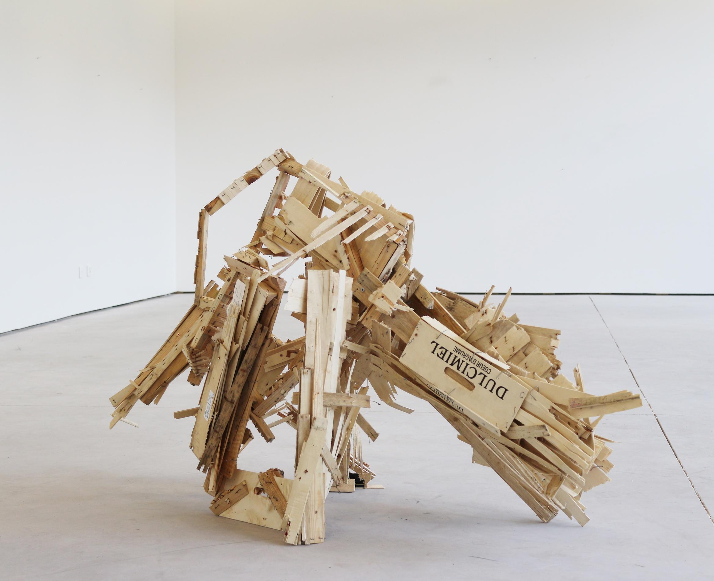 2020_Felix Becker_untitled_2020_wood_145 x 90 x 55 cm_web